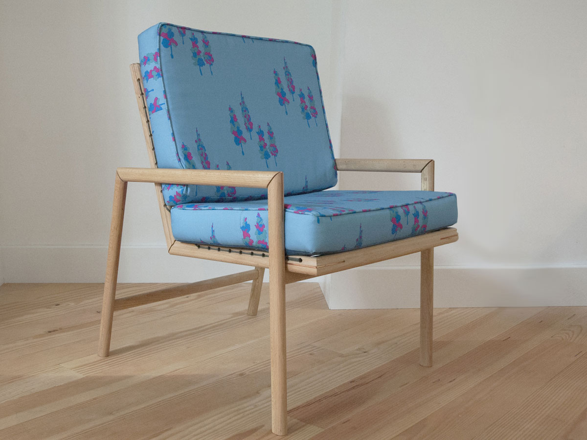 SB05 1 STRING CHAIR